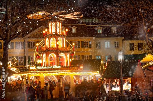 Weihnachtsmarkt Bonn.Weihnachtsmarkt Bonn Stockfotos Und Lizenzfreie Bilder Auf Fotolia
