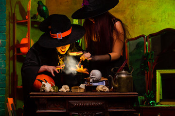 Picture of witch with pot of magic potion