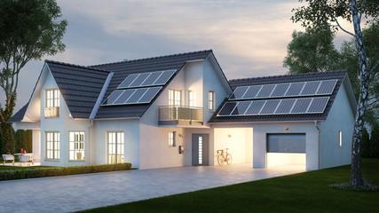 Haus mit Beleuchtung abends