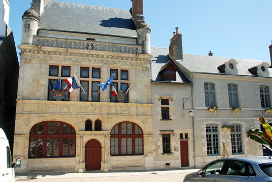 Hôtel de Ville ou mairie de Beaugency, ville du Val de Loire, département du Loiret, France