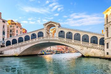 Obraz The Rialto Bridge, beautiful tourist attraction of Venice - fototapety do salonu