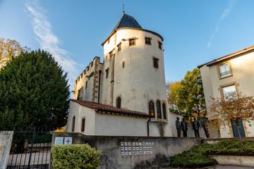Eglise Saint-Quentin, Place de l'Europe et sépulture d'un père fondateur de l'Europe