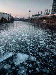Halffrozen river