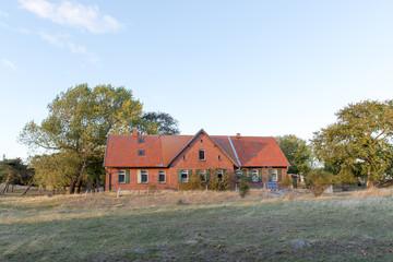 Altes Landhaus in Mecklenburg-Vorpommern mit Solaranlage