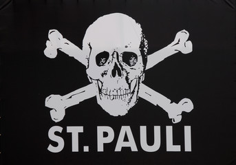 St. Pauli flag skull and bones crossbones black and whit