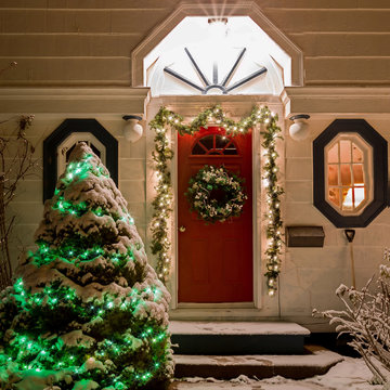 House decorated with Christmas lights.