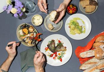 table sharing food