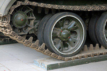tanks transmission device