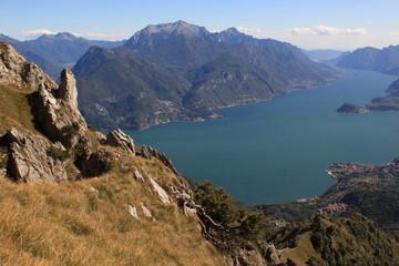 Zauberhafter Lario; Blick vom Monte Grona hinunter zum Comer See