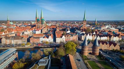 Mittagszeit im Herbst in Lübeck