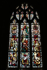 Vitrail dans l'église Saint-Nicolas de Beaumont-le-Roger 5