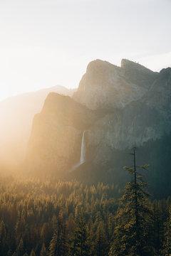 Yosemite tunnel view sunrise