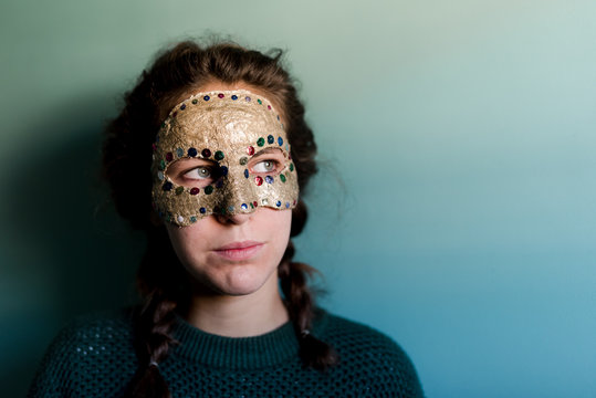 young woman with masquerade, DIY gold mask