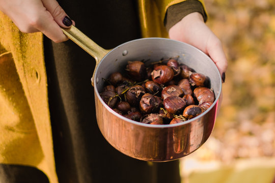 Chestnuts with butter and herbs