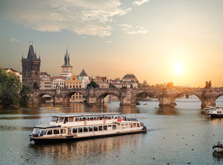 Fototapete - Touristic boat in Prague