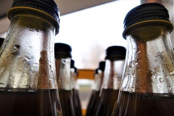 Getränkekasten mit Flaschen
