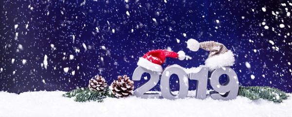 Weihnachten und Neujahrskarte 2019 Schnee Winterlandschaft