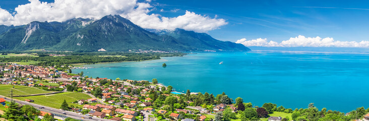 Door stickers Lake Panorama view of Montreux city with Swiss Alps, lake Geneva and vineyard on Lavaux region, Canton Vaud, Switzerland, Europe