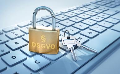 Schloss mit Schlüssel auf Tastatur - DSGVO