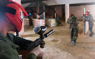man in red mask who is targeting in opponents