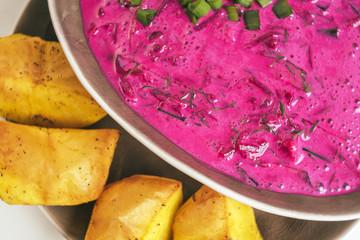 Lithuanian cold beet soup (Saltibarsciai)