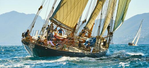 Foto auf AluDibond Schiff Sailing yacht race. Yachting. Sailing
