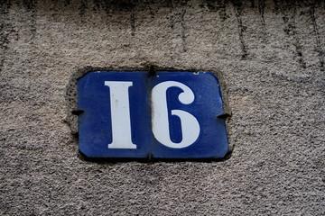 numéro 16; numéro de rue