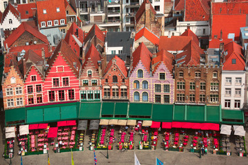 Foto auf Leinwand Brugge Typical Flemish colored houses on the Grote Markt or Market Square in the center of Bruges, Belgium
