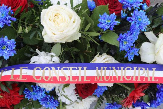 Gerbe. Commémoration du 11 novembre. / Wreath. Remembrance ceremony. Armistice.