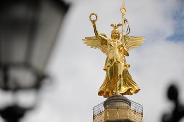 Viktoriastatue, genannt Goldelse, auf der Siegessäule in Berlin