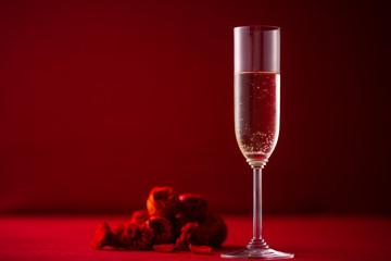 シャンパンとバラの花のアレンジ