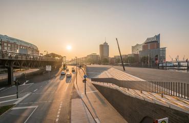 Germany, Hamburg, Elbpromenade in the morning
