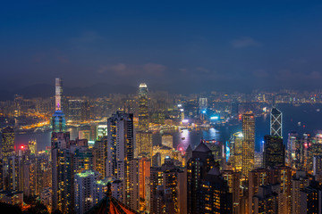 Fotomurales - Hong Kong cityscape at night from the Victoria peak.