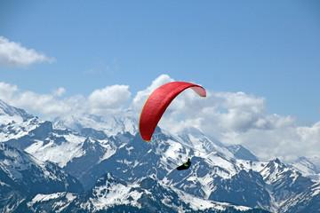 Paragliding im Berner-Oberland, Schweiz