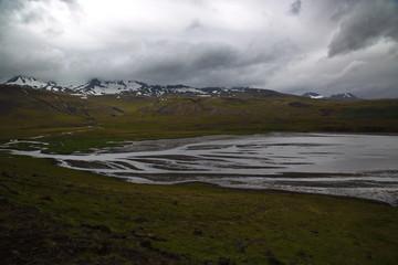 Island Berg mit Schnee