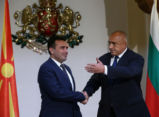 Bulgarian Prime Minister Borissov welcomes his Macedonian counterpart Zaev in Sofia