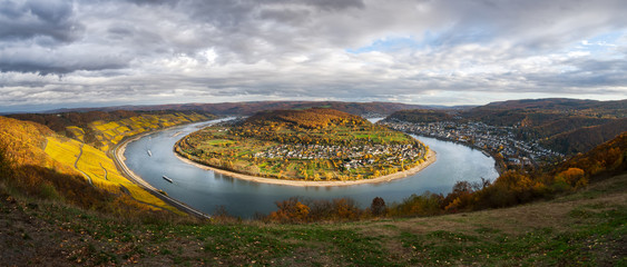 The great loop (Rheinschleife Bopparder Hamm) of the river Rhine, Rhineland-Palatinate, Germany Fototapete