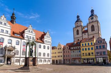 Marktplatz mit Lutherdenkmal in Wittenberg