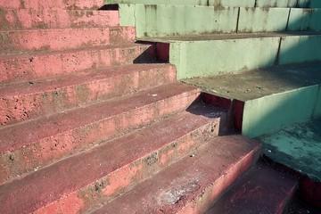 Treppe mit Farbanstrich in Porec in Kroatien