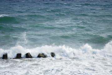 海 波 消波ブロック 素材