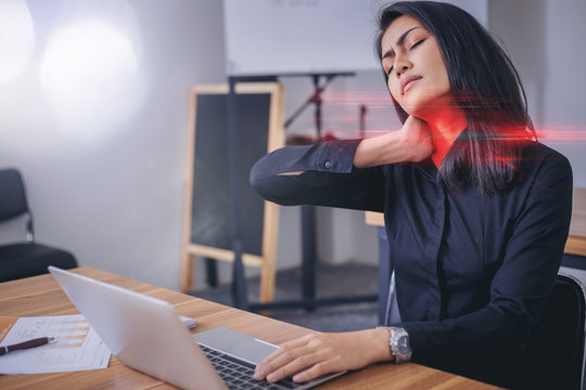 Working woman face suffering because of neck painful