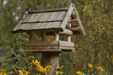 Fototapeta Drewniany domek dla ptaków karmnik obraz