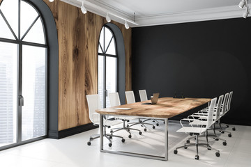 Black and wooden arched meeting room
