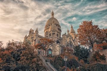 Fototapete - Sacre Coeur basilica in autumn in Montmartre, Paris
