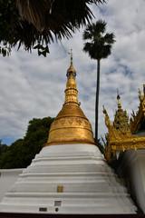 Shwedagon Pagoda, stupas.
