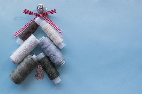Christmas tree of spools of thread
