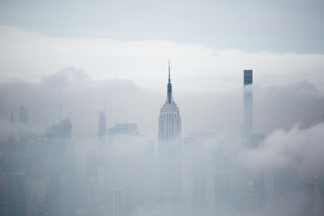 Spoed Fotobehang New York City New York grattacieli nella nebbia