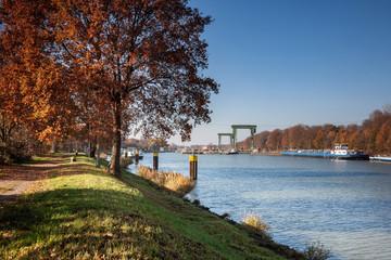Herbst am Wesel-Datteln-Kanal bei Hünxe