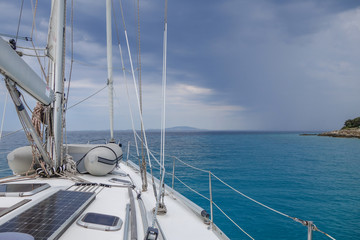 Fototapete - segeln in die Wolkenfront