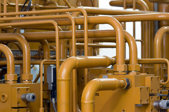 Industrial hydraulics piping